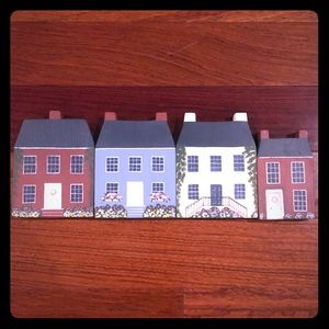Set of 4 hand painted wooden Colonial houses